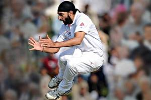 Monty Panesar will hope plenty of celebrations, like this one, in India this winter could lead to IPL riches, even though it may scupper his county's chance at winning the title (PC: The Standard)